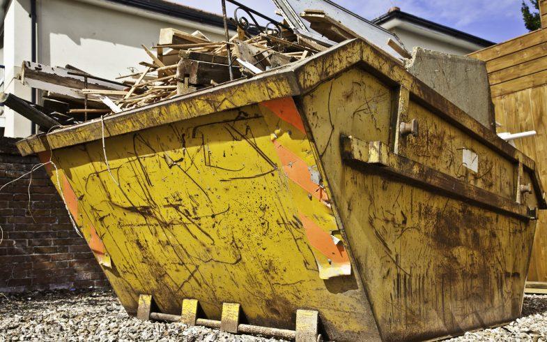 Ile kosztuje wynajem kontenera na odpady budowlane?